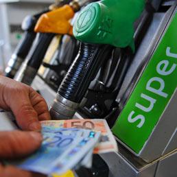 benzina-soldi-rincari-ansa-258x258.jpg