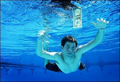 spencer-elden-il-neonato-della-copertina-di-nevermind-dei-nirvana-nel-2008.jpg